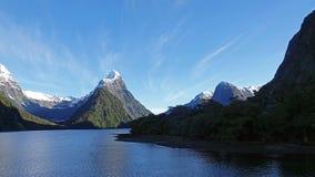 Infuła szczyt przy Milford dźwiękiem, Nowa Zelandia obraz stock