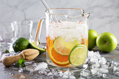 Infused water with citrus fruits Royalty Free Stock Photography