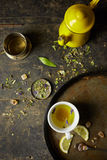 Infusion de fines herbes de tisane Photographie stock