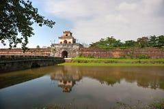 Ingång av citadelen, ton, Vietnam. Royaltyfri Bild