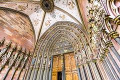 Ingång av den Freiburg domkyrkan Royaltyfria Bilder
