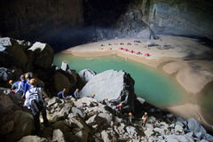 Ingång av den Hang En grottan, den 3rd största grottan för world's Royaltyfria Foton