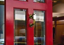 Ingång av den röda dörren Royaltyfri Foto