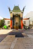 Ingång av Graumans kinesiska teater i Hollywood, Los Angeles royaltyfria foton
