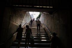 Ingång för gångtunnelstation - Bucharest arkivfoton