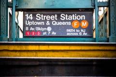 Ingång för NYC-gångtunnelstation Fotografering för Bildbyråer