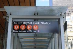 42 ingång för St Bryant Park Subway Station i NYC Arkivbild
