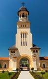 Ingång i Coronationdomkyrka från Alba Iulia Royaltyfri Foto