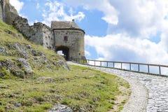 Ingång i den Sumeg slotten hungary fotografering för bildbyråer