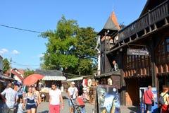 Ingång i klislotten, hem av Dracula, Brasov, Transylvania royaltyfria foton