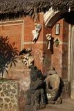 Ingång in i traditionellt Balinesehus Royaltyfria Bilder