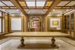 Ingång in i vardagsrummet som göras av trä Royaltyfria Bilder