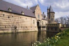 Ingång som bygger den Heeswijk slotten royaltyfri bild