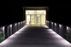 ingång tänd walkway arkivbild