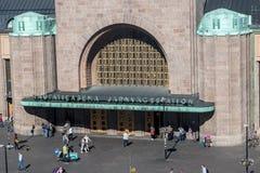 Ingång till den huvudsakliga drevstationen på Helsingfors Royaltyfri Fotografi