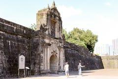Ingång till den Intramuros fortSantiago in Arkivfoton