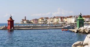 Ingång till den Piran hamnen Royaltyfri Foto