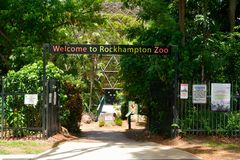 Ingång till den Rockhampton zoo i Queensland, Australien arkivbild