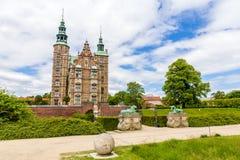 Ingång till den Rosenborg slotten i Köpenhamn Arkivfoto