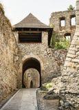 Ingång till den Trencin slotten, Slovakien Arkivfoto