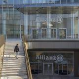 Ingång till det Allianz tornet, ett golv 50 209 meter högväxt skyskrapa i Milan, Italien I 2016 nominerades Il Dritto förbi Fotografering för Bildbyråer