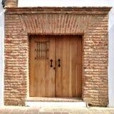 Ingång till en kolonial byggnad från 1600. Royaltyfri Foto