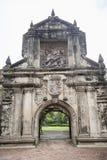 Ingång till fortSantiago i det Intramuros, Manila, Filippinerna royaltyfria foton