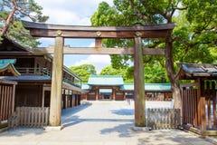 Ingång till imperialistiska Meiji Shrine i Shibuya, Tokyo, Japan Royaltyfri Bild