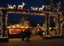Ingång till julmarknaden i Oslo arkivbilder