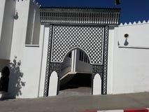Ingång till moskén av bouarrakiyaen Fotografering för Bildbyråer