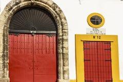 Ingång till platser under solen på Plaza de Toros de Sevilla arkivbild