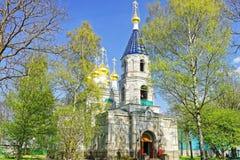 Ingång till St Nicholas Orthodox Church i Ventspils Fotografering för Bildbyråer