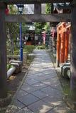 INGÅNG TILL UENO-TEMPLET, TOKYO arkivbilder