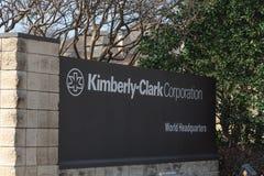 Ingång till världshögkvarter av Kimberly-Clark i Irving, Tex arkivfoton