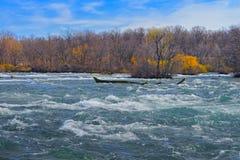 Ingångar på Niagara River från den amerikanska sidan Royaltyfria Bilder