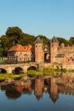 Ingången av det holländska historiska centret av Amersfoort Royaltyfria Foton