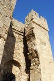 Ingången till den medeltida fästningen på ön av Rhodes i Grekland Arkivfoto