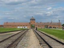 Ingången till den tidigare koncentrationsläger auschwitz birkenau Royaltyfri Bild