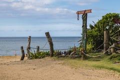 Ingången till den Waimea stranden fotografering för bildbyråer