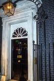 Ingångsdörr av 10 Downing Street i London Royaltyfria Foton