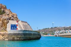 Ingångshamn i Albufeira Portugal arkivfoton