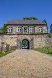 Ingångshus av bergstoppslotten i dåliga Bentheim Arkivfoton