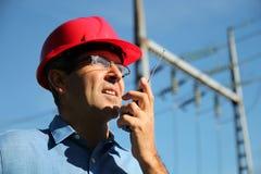 Ingénieur électrique au travail Photographie stock libre de droits
