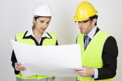 Ingénieur et client sur le site Photographie stock libre de droits