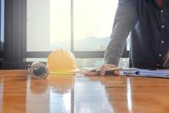 Ingénieurs avec un bureau Photo libre de droits