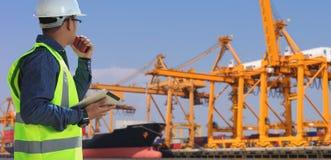 Ingénieurs et transport image stock