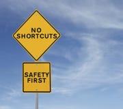 Inga genvägar till säkerhet Arkivbild