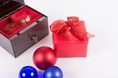 Inga pengar för jul i en gammal cashbox Arkivfoto