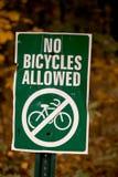 Inga tillåtna cyklar Fotografering för Bildbyråer