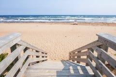 Ingang aan Atlantisch strand Stock Foto